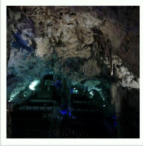 Gibilterra, Apes cave